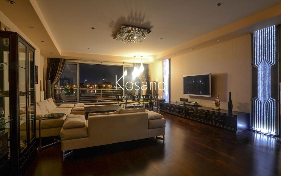 Аренда квартиры с потрясающим видом на Старую Ригу