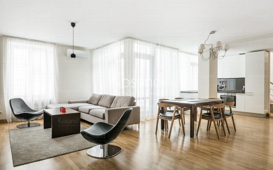 Трёхуровневая квартира в элитном доме в Тихом центре Риги