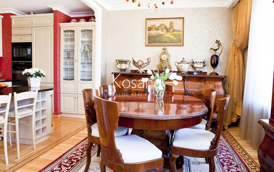 Эксклюзивная двухуровневая квартира на покупку в Тихом центре Риги