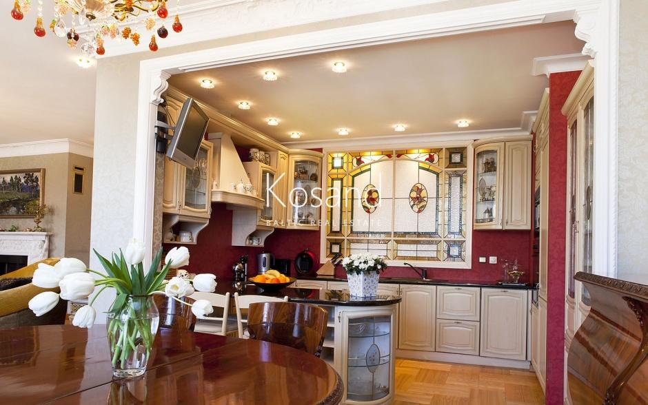 Эксклюзивная двухуровневая квартира в Тихом центре риги