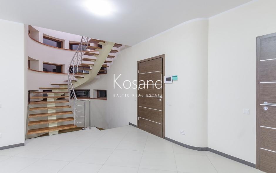 Просторный частный дом в Межапарке