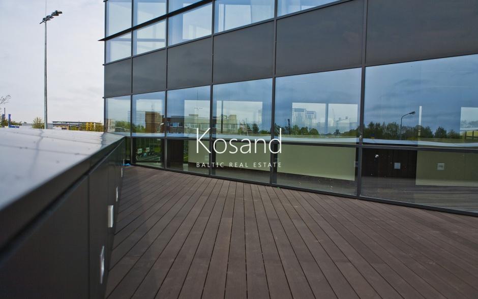 Большое офисное помещение, с видом на Ригу