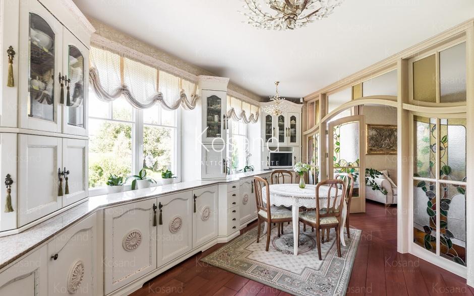 Элегантный дом в Балтэзерс